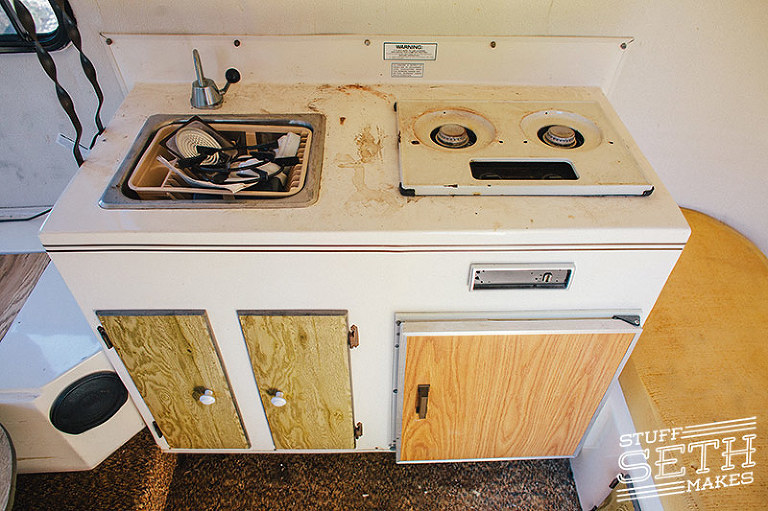 vintage-scamp-travel-trailer-kitchen-remodel-update